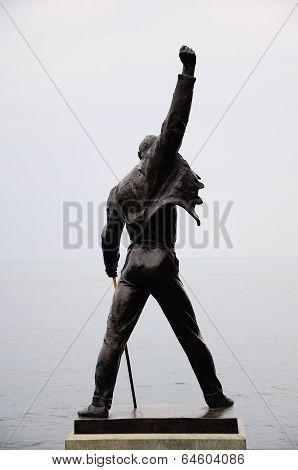 Freddie Mercury statue.