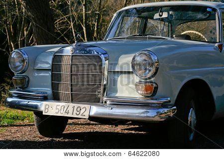 Beige MB W110