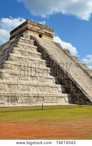 Chichen Itza Kukulkan Temple Pyramid Mexico