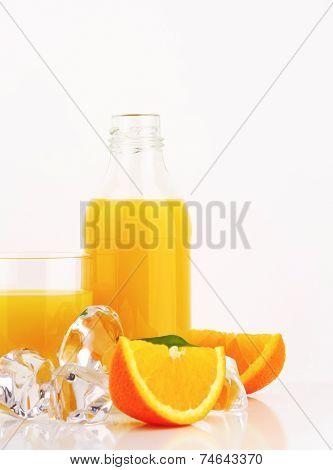 Fresh orange juice and ice