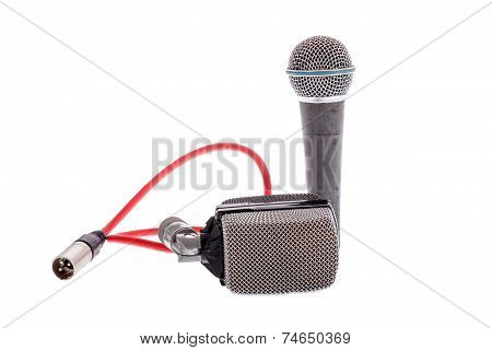 Studio Recording Groups Of Microphones For Lead Vocal