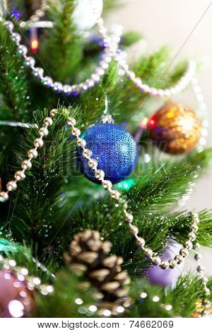 jewelry on a green New Year tree