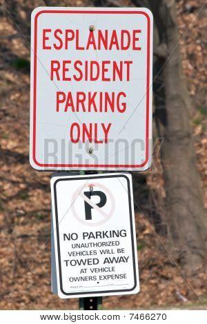 Esplanade Prking Signs