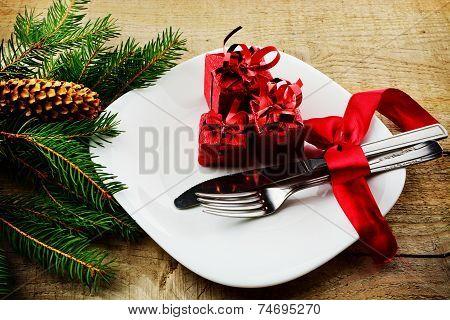 Christmas Plate Gifts With Pines Wooden Surface