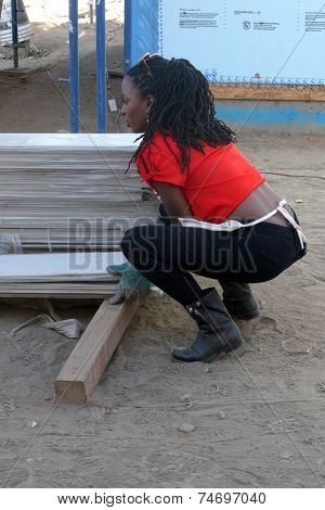 LOS ANGELES - OCT 25:  Shanola Hampton at the Habitat for Humanity build by Showtime's