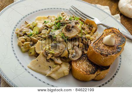 Mushroom, Leek And Tarragon Pasta