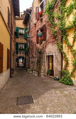 Typical Italian courtyard, Italy