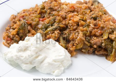 Strained yogurt with home-cooked minced beef and spinach, a popular comfort food.