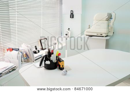 Ophthalmologist's office
