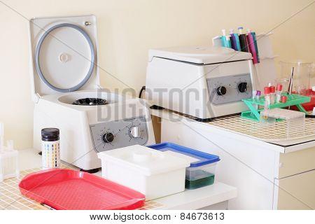 Machine for centrifuge blood testing