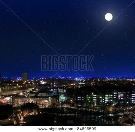 View Over The Rooftops Towards Glasgow Royal Infirmary At Night