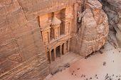 pic of treasury  - View on the Treasury in Petra - JPG