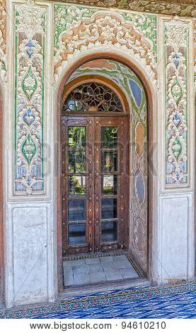 Zinat ol Molk House room door