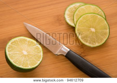Slicing a fresh lime