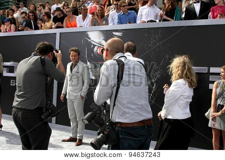 LOS ANGELES - JUN 28:  Jason Clarke, Carpet Photographers at the