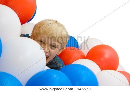 Junge und Luftballons 2