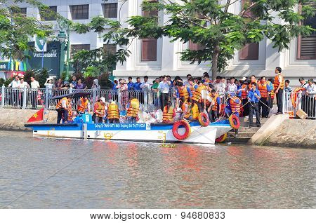 Ho Chi Minh City, Vietnam - April 24, 2015: Celebrating The National Fisheries Day In Vietnam In Sai