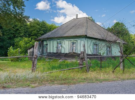 Abandoned house in rural area in central Ukraine