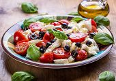 ������, ������: Caprese Caprese salad Italian salad Mediterranean salad Italian cuisine Mediterranean cuisine