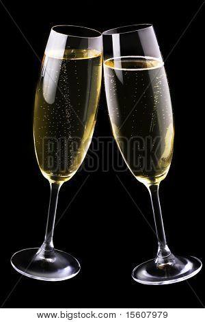 Champagner Flöten auf schwarz