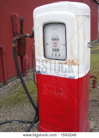 Old Red Pump