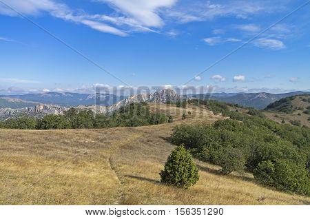 The path leading to the top of Mount Ai-George along the ridge Tokluk-Syrt. Crimea September.