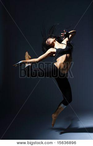 stilvolle und junge modern Style Dancer posiert