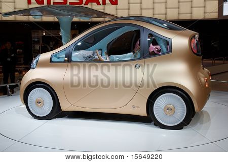 PARIS, FRANCE - OCTOBER 02: Paris Motor Show 2008, Nissan Nuvo Concept, side view