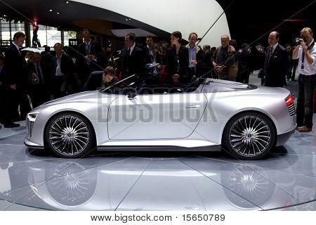 PARIS, FRANCE - SEPTEMBER 30: Paris Motor Show on September 30, 2010 in Paris, Audi e-tron Spyder, side view