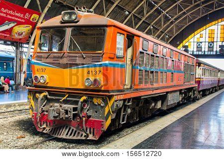 BANGKOK, THAILAND - FEBRUARY 04,2015: Train at railway station Hua Lamphong in Bangkok. Hua Lamphong opened in 1916 and serves apprx 70,000 passengers and 150 trains each day.