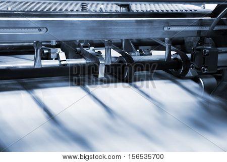 print process in a modern printing shop