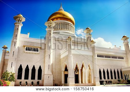 The Sultan Omar Ali Saifudding Mosque Bandar Seri Begawan Brunei Southeast Asia