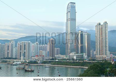 Skylines der Stadtregion tagsüber