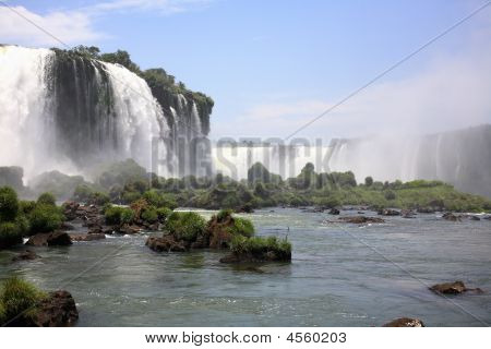 Iguassu Falls - Large Waterfalls