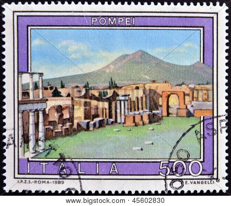 ITALY - CIRCA 1989: A stamp printed in Italy shows Pompeii circa 1989