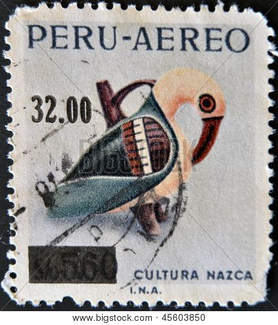 PERU - CIRCA 1977: A stamp printed in Peru dedicated to Nazca culture shows peruvian whistle