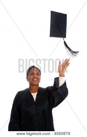 Mujer graduarse