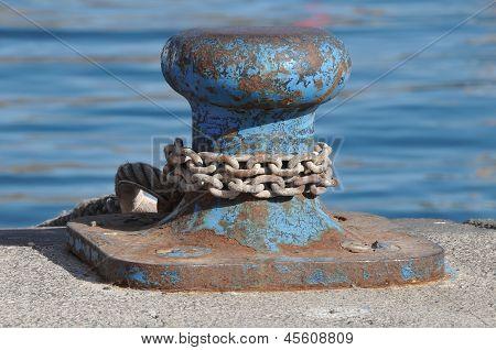 Boat anchorage