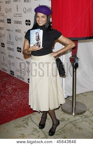 LOS ANGELES - MAR 4: Victoria Rowell at the 3rd annual Essence Black Women in Hollywood Luncheon at the Beverly Hills Hotel on March 4, 2010 in Beverly Hills, California