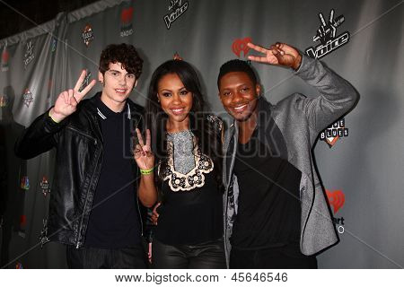 LOS ANGELES - MAY 8:  Garrett Gardner, Sasha Allen, Kris Thomas arrives at