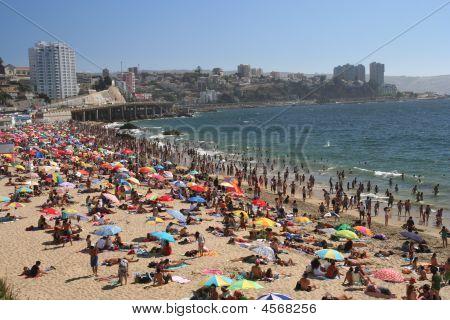 überfüllten Strand