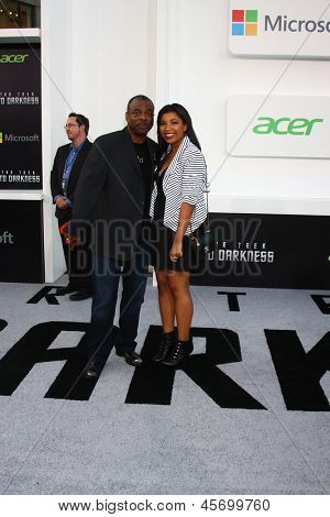 LOS ANGELES - MAY 14:  Levar Burton and daughter Michaela Burton arrive at the