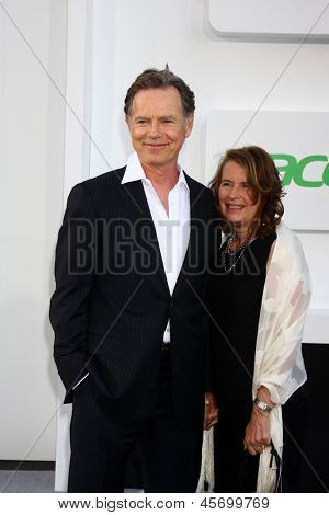 LOS ANGELES - MAY 14:  Bruce Greenwood and wife Susan Devlin arrive at the