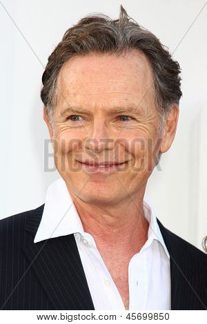 LOS ANGELES - MAY 14:  Bruce Greenwood arrives at the