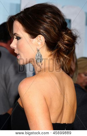 LOS ANGELES - MAY 14:  Kate Beckinsale arrives at the