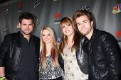 LOS ANGELES - MAY 8:  Swon Brothers, Danielle Bradbery, Holly Tucker arrives at