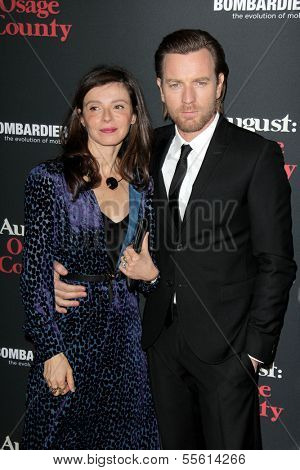 LOS ANGELES - DEC 16:  Ewan McGregor, Eve Mavrakis at the