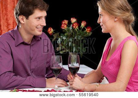 romantisches Abendessen mit Wein