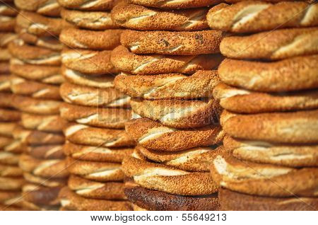 Simit, the Turkish Crispy Sesame Bagels