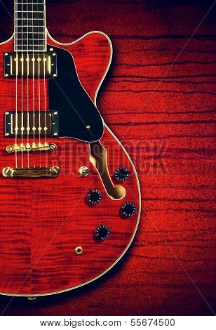 Semi hollow Gitarre